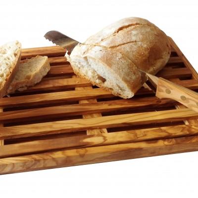 Tagliapane in legno di olivo